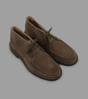 Crosby Moc-Toe Chukka Boot Pale Khaki Roughout Suede with Rubber Sole